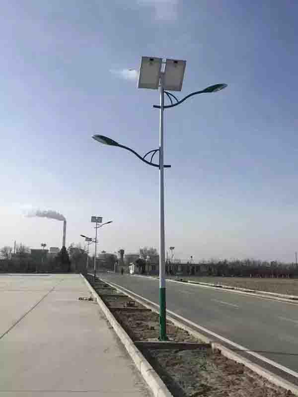 洛阳新安双臂太阳能路灯厂家